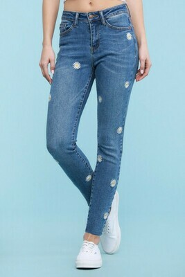 Daisy Jeans Sizes 22, 20 & 14 Left!!  Cute!!!