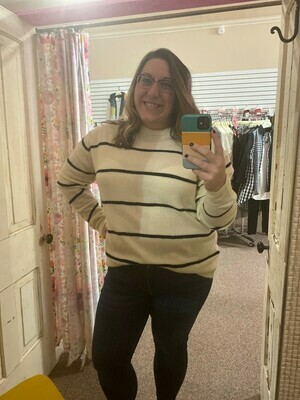 Stripe Pullover Sweater UMGEE  2XL to S!!