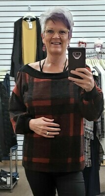 Red & Black Plaid Top  Only 1 2XL LEFT!!  So Comfy!!