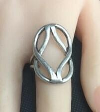 Criss Cross Ring - Adjustable!