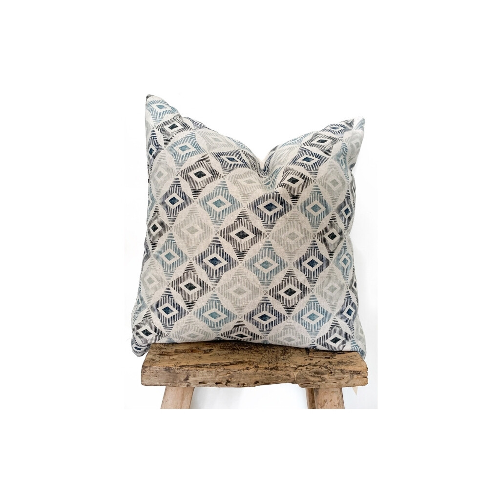 Avery Pillow