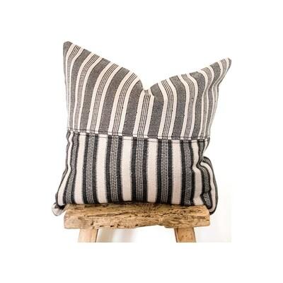 Avni Pillow
