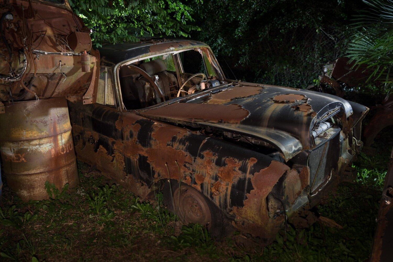 """""""secret place"""" Bild 1 Auto Wrack Mercedes 230"""