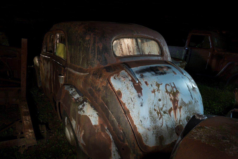 """""""secret place"""" Bild 4 Autowrack Mercedes 170 Heck"""