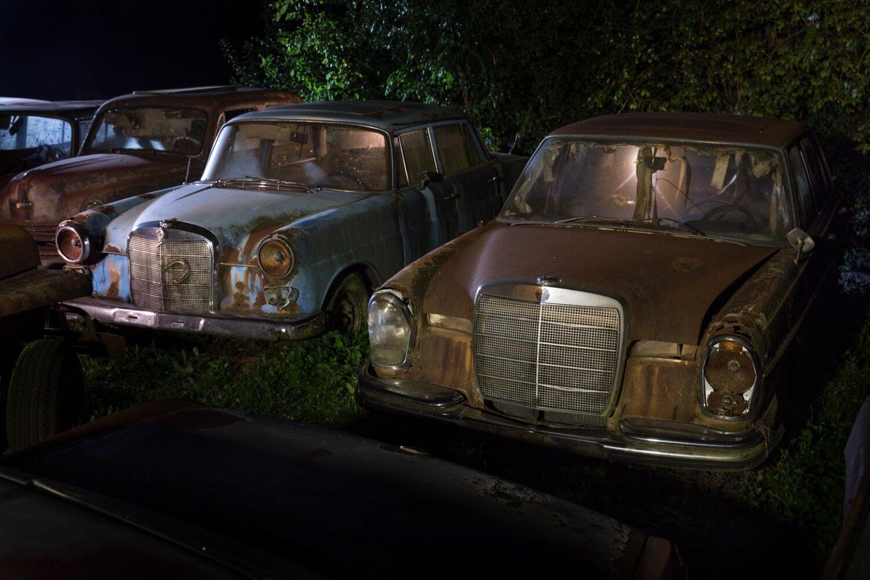 """""""secret place"""" Bild 5 Autowrack Mercedes 230, 200"""