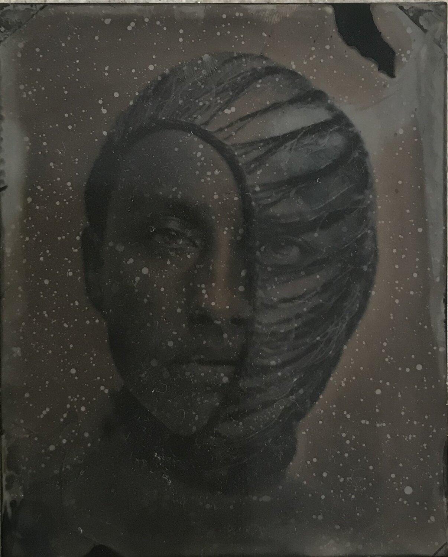 Maria Elisabeth wearing half mask
