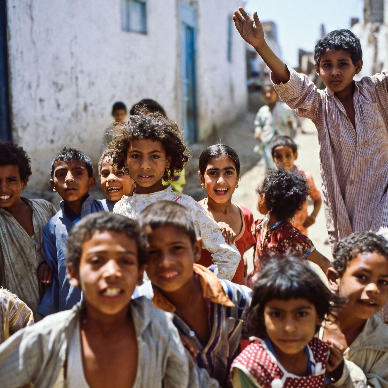 Lautstarke Kinderbegleitung (Ägypten, Assuan – Mai 1984)