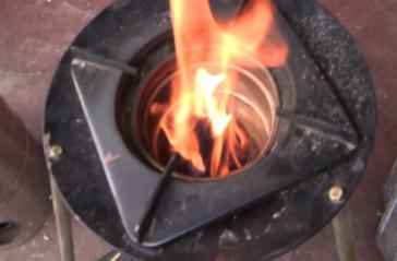 Merlin TELUD Ofen, der Merlin ist ein Holzvergaser Ofen, der Rauch- und geruchsfrei verbrennt. Kostenloser Versand.