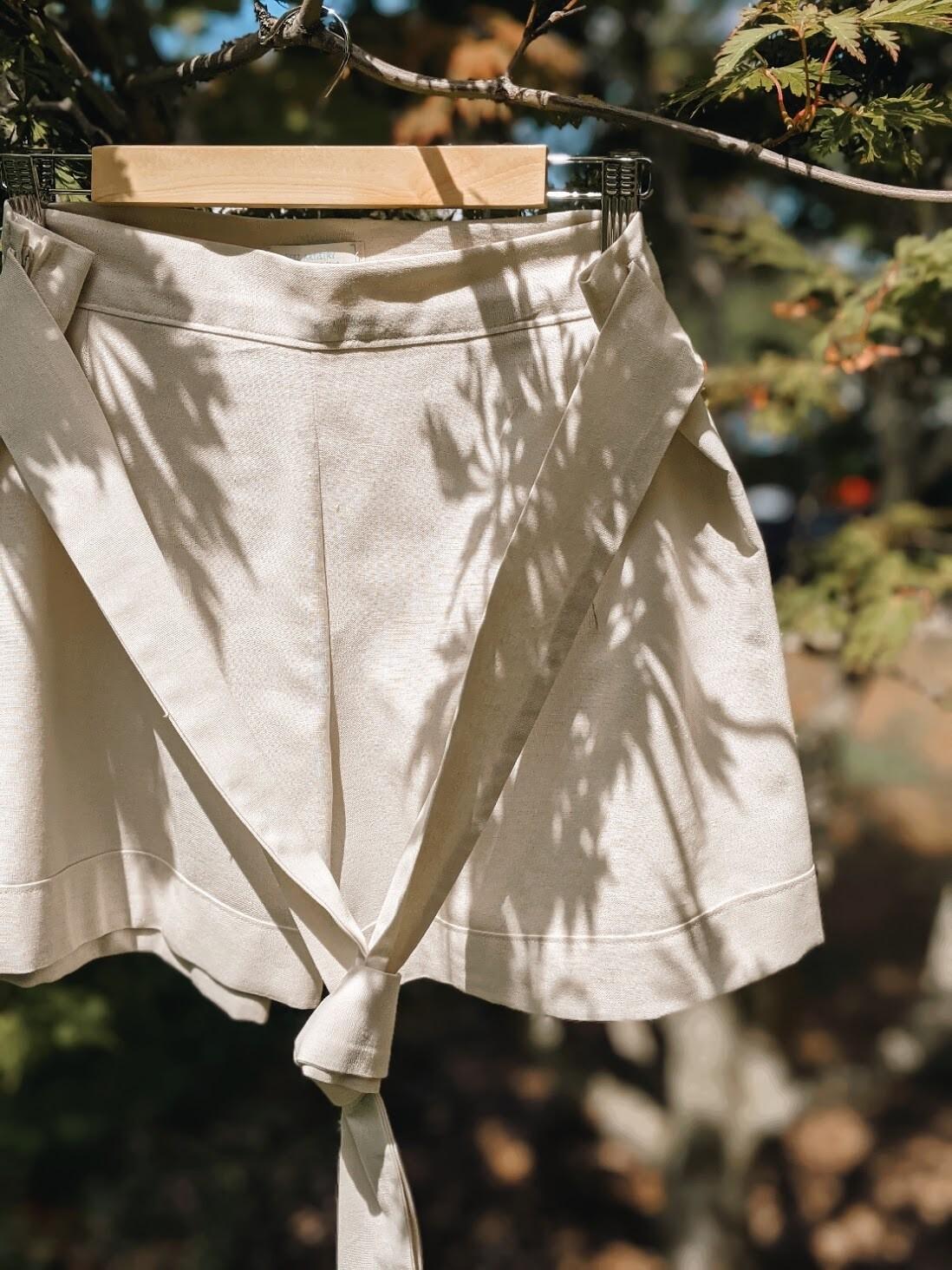 Ava Shorts - L