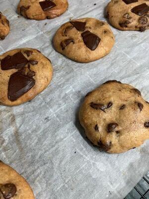 Cookies with Hersheys Chocolate and Lindt Dark Chocolate - Per Piece