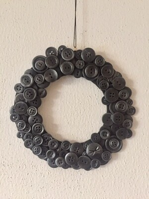 Button Wreath (Small)