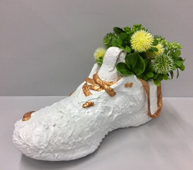 Shoe flower pot