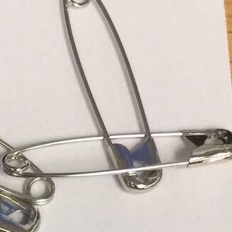 Safety Pins - Medium - 144/pkg. Izip Lock Bag R234-049