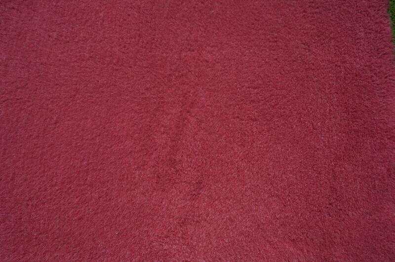 Minimum {15 x Metre Roll} : Ultra Premium - Green Backing : Plain Burgundy - Ref : (3244)