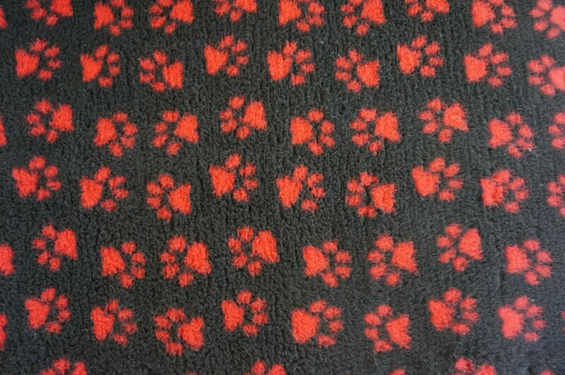 Minimum {15 x Metre Roll} : Ultra Premium - Non Slip Backing :  Charcoal with Red Paws - Ref : (6376)