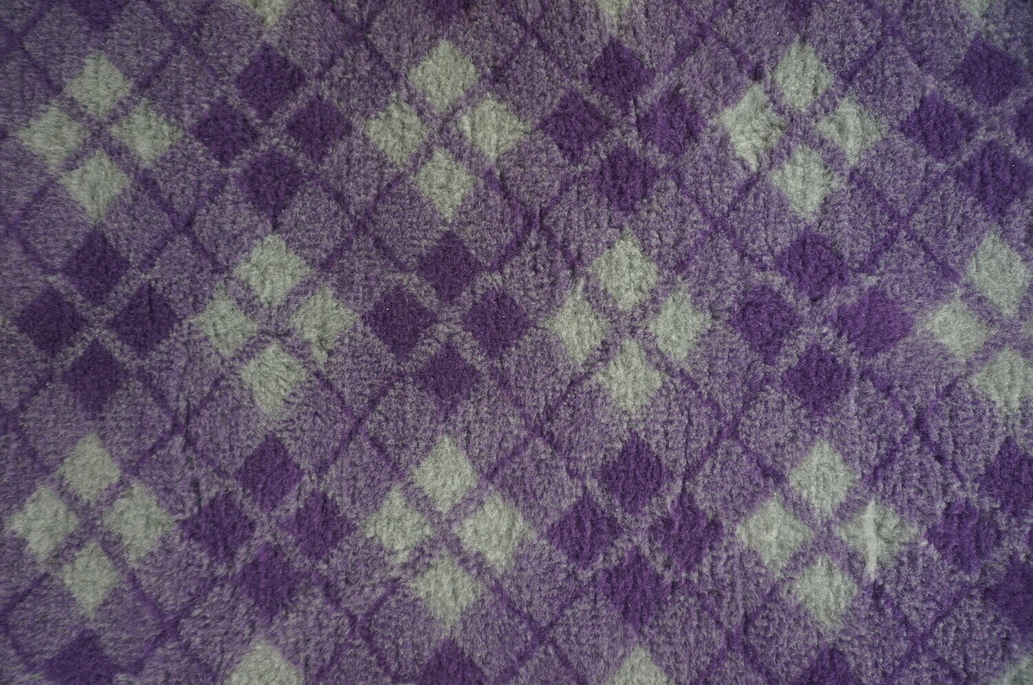 {Single Sheets} : Ultra Premium - Non-Slip Backing :  Purple and Grey Diamond Tartan - Ref : (6340)