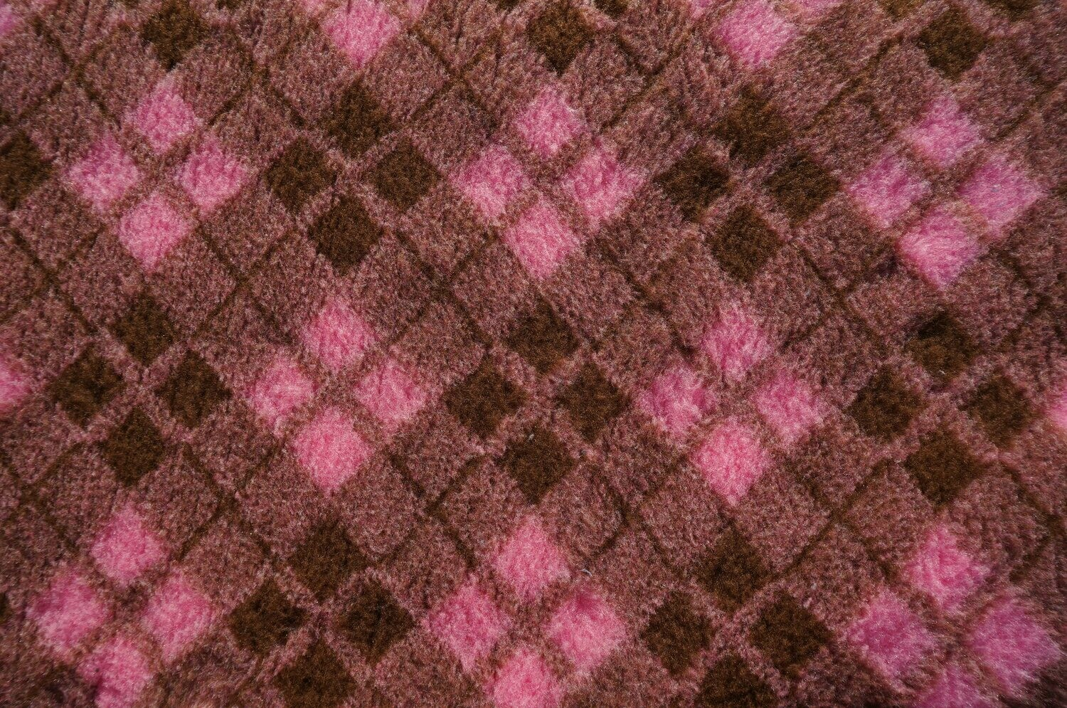 Minimum {15 x Metre Roll} : Ultra Premium - Non Slip Backing :  Two Tone Brown and Pink Diamond Tartan - Ref : (6486)