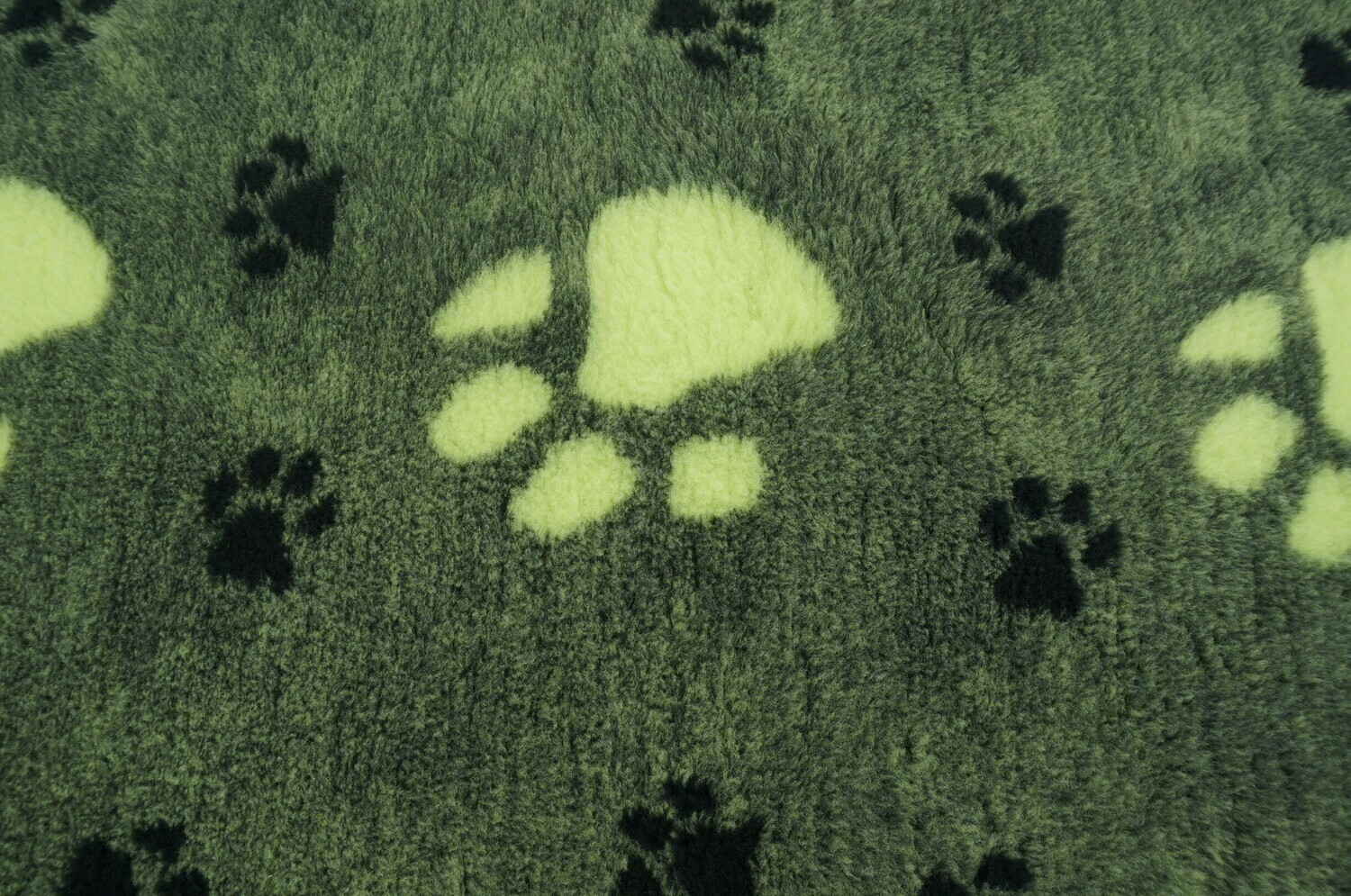 Minimum {15 x Metre Roll} : Ultra Premium - Non Slip Backing :   BP : Green with Large Cream & Small Black Paws - Ref : (6378)