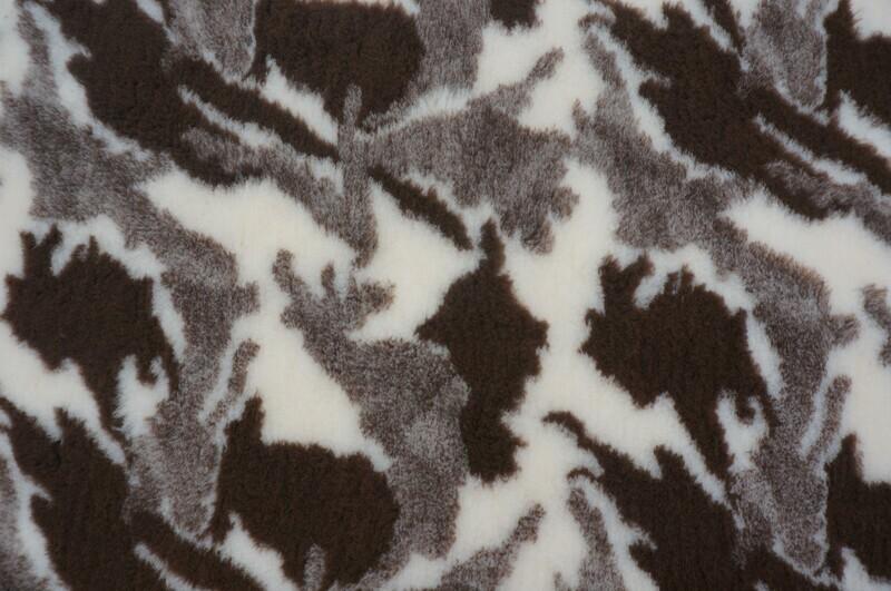 { Single Sheets }  Ultra Premium Non-Slip Backing Original Vet Bedding Fleece : Camouflge : Brown / Sand and Cream - Ref : (6252)