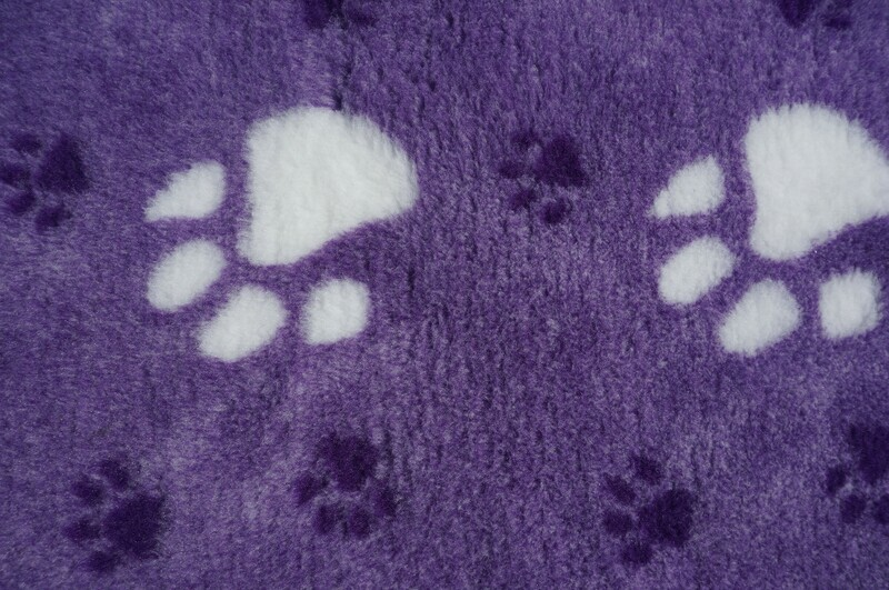 (Single Sheets) Premium - Non Slip Backing : Big Paw : Regal with Large White & Small Black Paws - Ref : (6503)