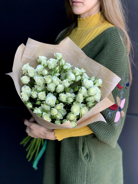 Букет из белой кустовой розы 15 шт.