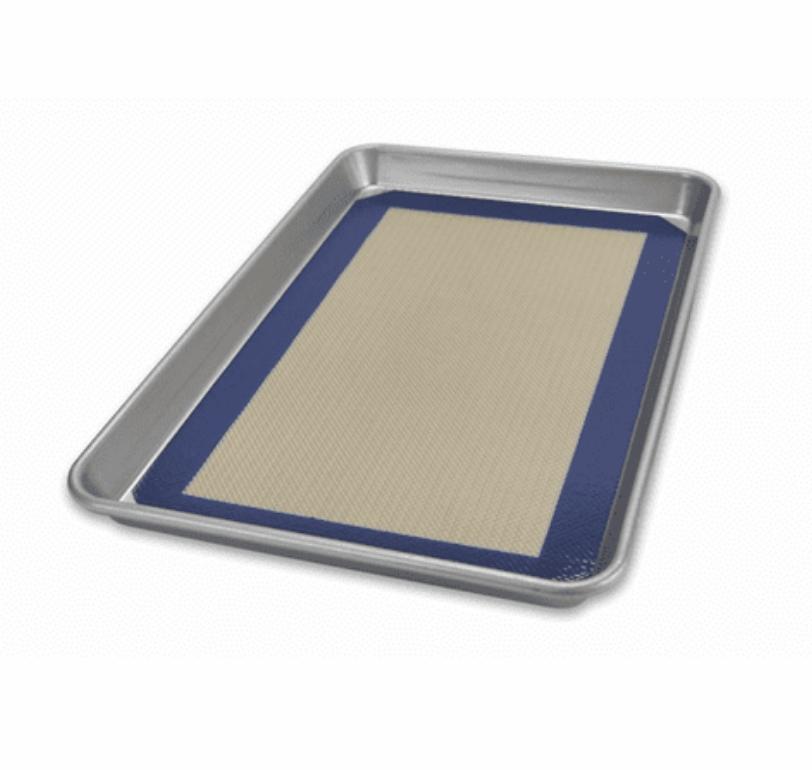 Half Sheet Pan w/ Baking Mat Set