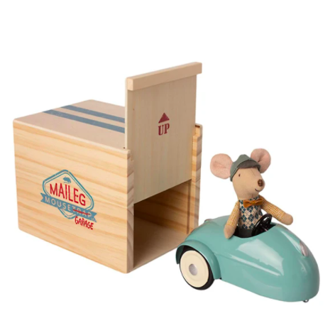 Mouse Car w/ Garage