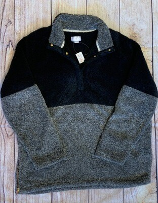 Straton Pull Over Black