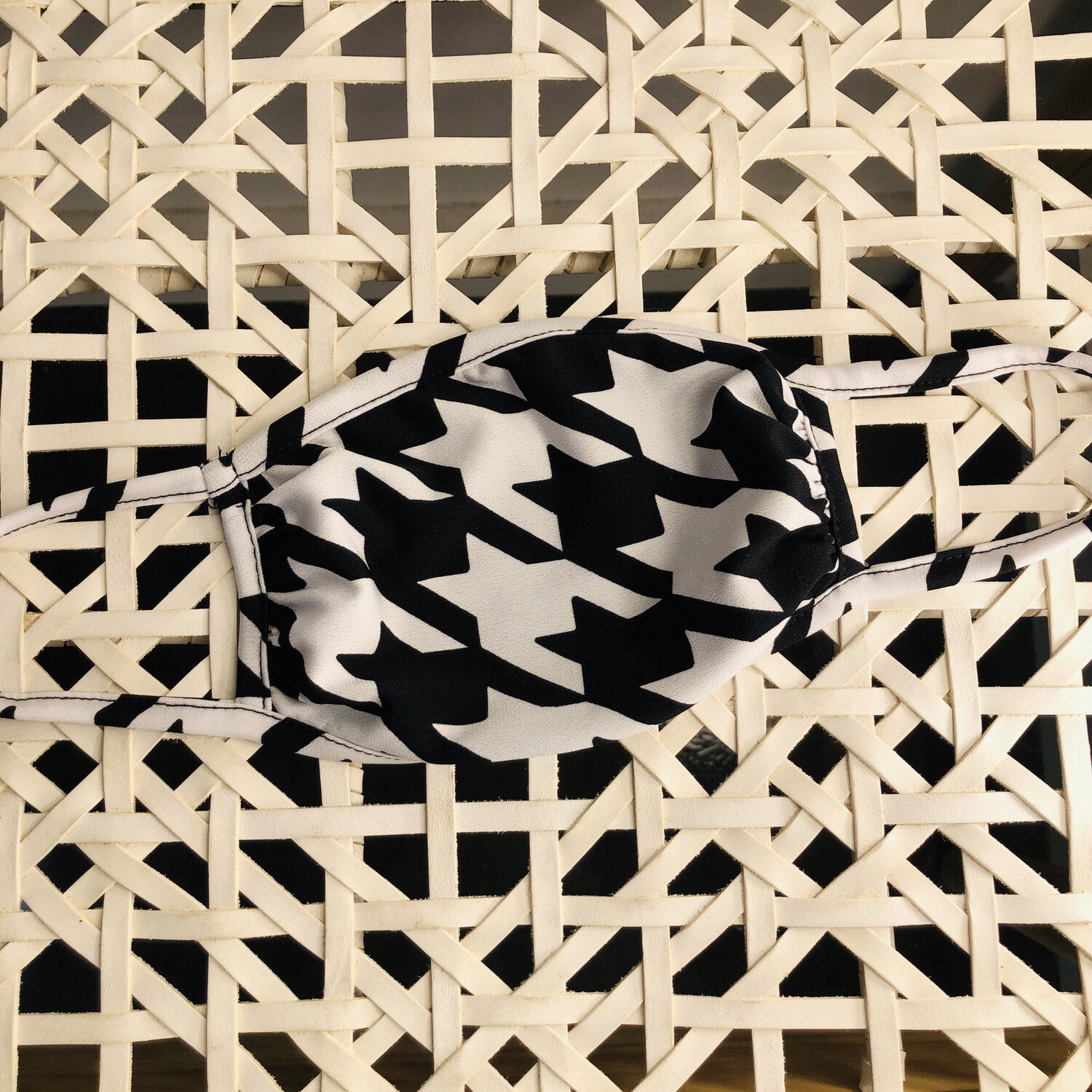 Hounds Tooth Mask