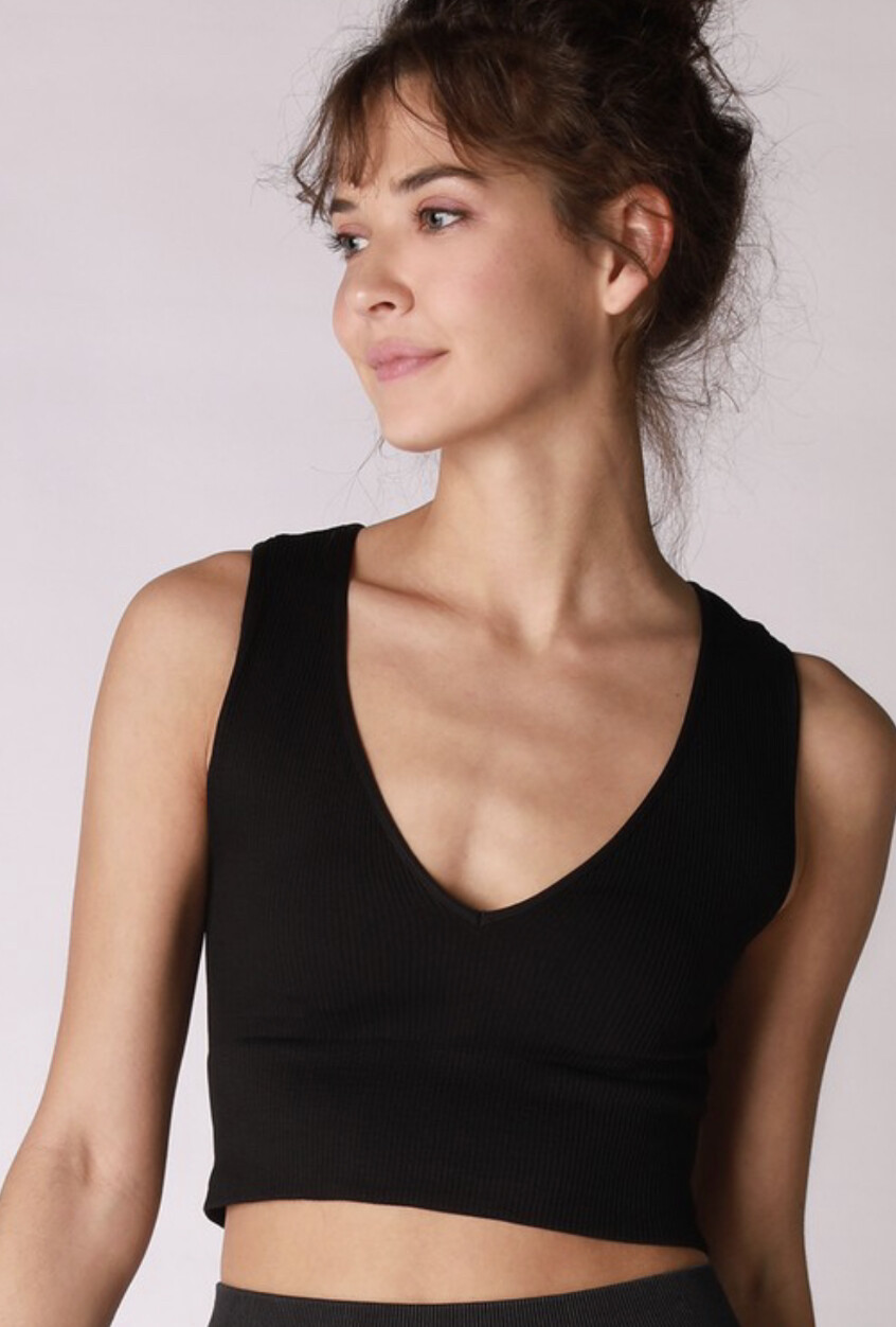 Deep V Crop-Blk
