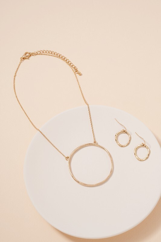 Big Ring Necklace