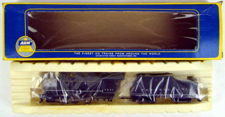 AHM 5149P PRR Class B-28 0-6-0 USRA Switcher #7641 HO Scale