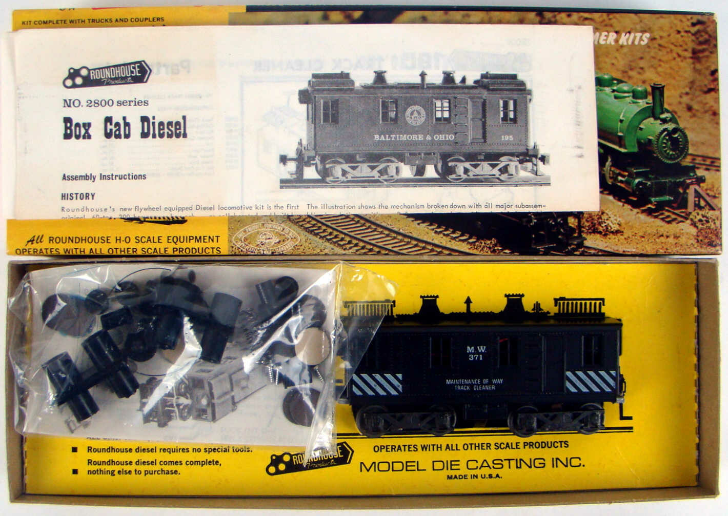 Roundhouse 2800 MOW Box Cab Diesel Track Cleaner Locomotive Kit