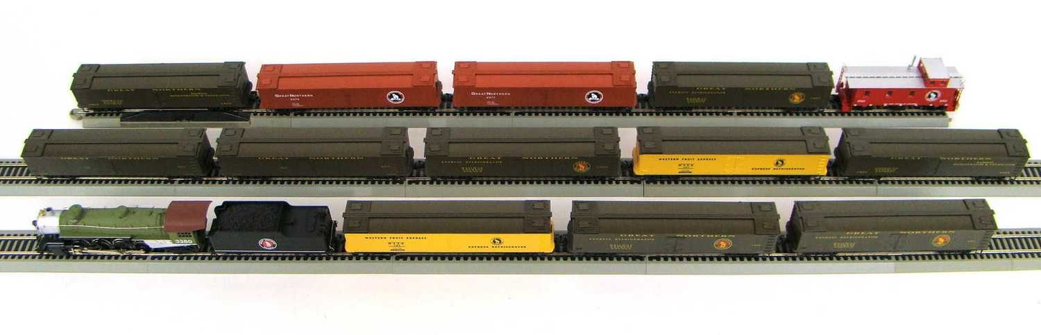 MRRHQ Custom Great Northern 13 Car Express Reefer Freight Set HO Scale