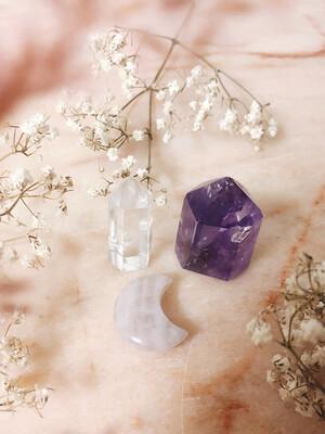 Kristalset amethist, bergkristal en rozenkwarts
