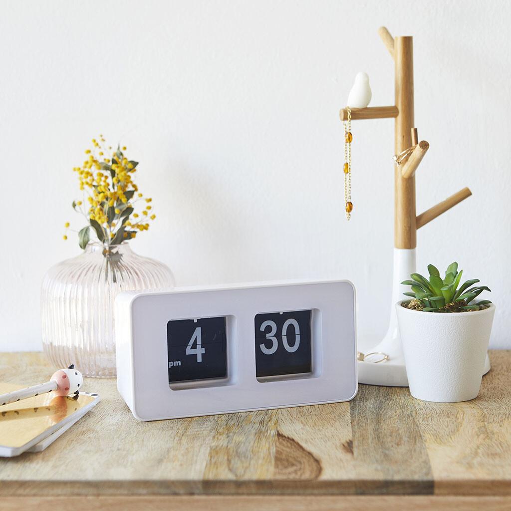 Balvi Tischuhr Flip Clock 9,35 x 17,6 cm ABS weiss