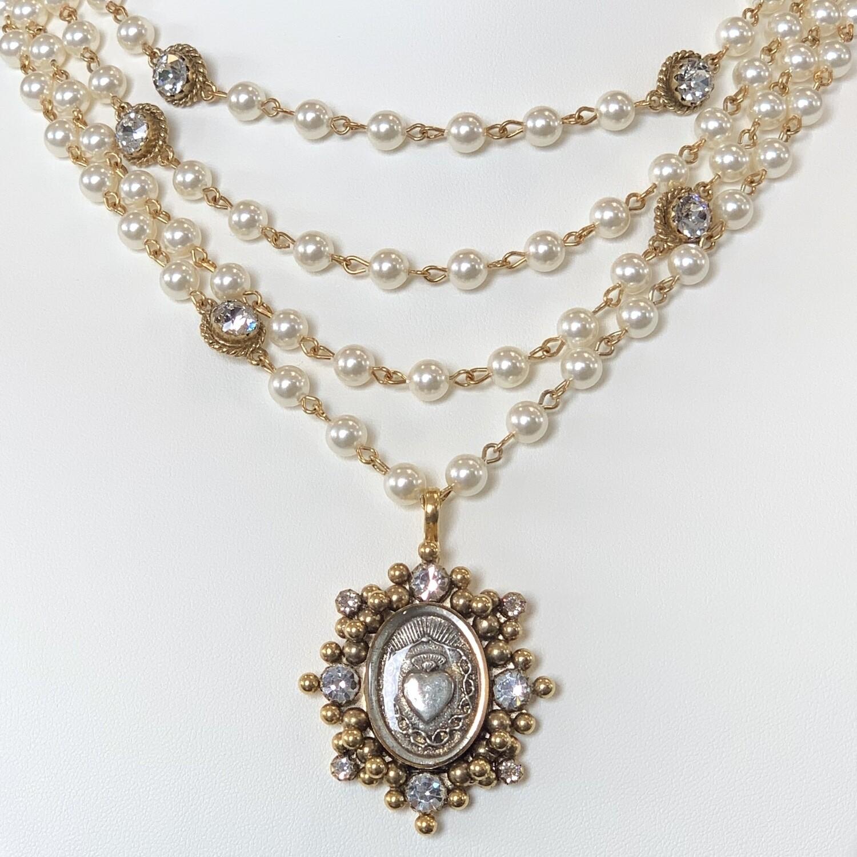 VSA Sacred Heart Magdalena, 6mm Crystal Pearl, Gold