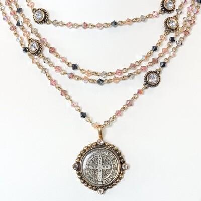 VSA San Benito Magdalena, 4mm Pink Dust Bicone, Gold