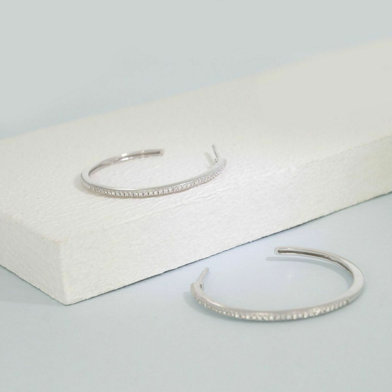 Ella Stein Head Turning Medium Hoop Earrings (Silver)