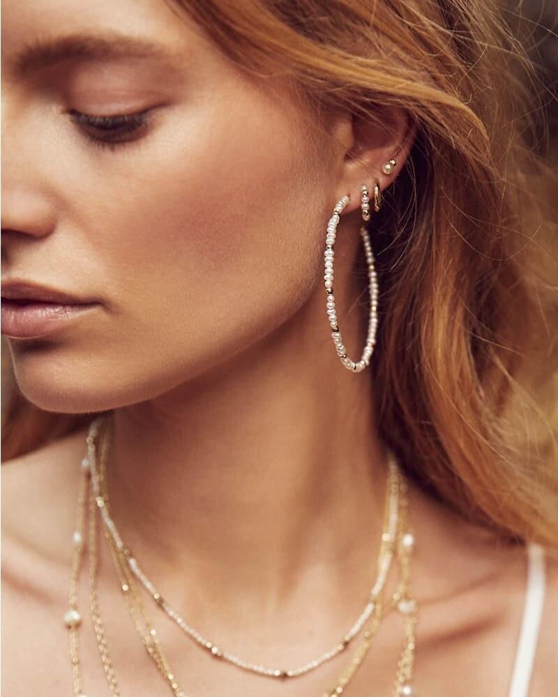 Kendra Scott Scarlet Gold Hoop Earrings in White Pearl