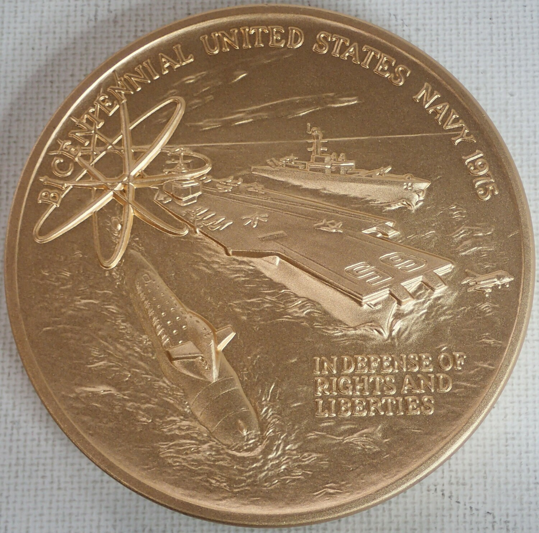 BICENTENNIAL UNITED STATES NAVY 1975 MEDALLION