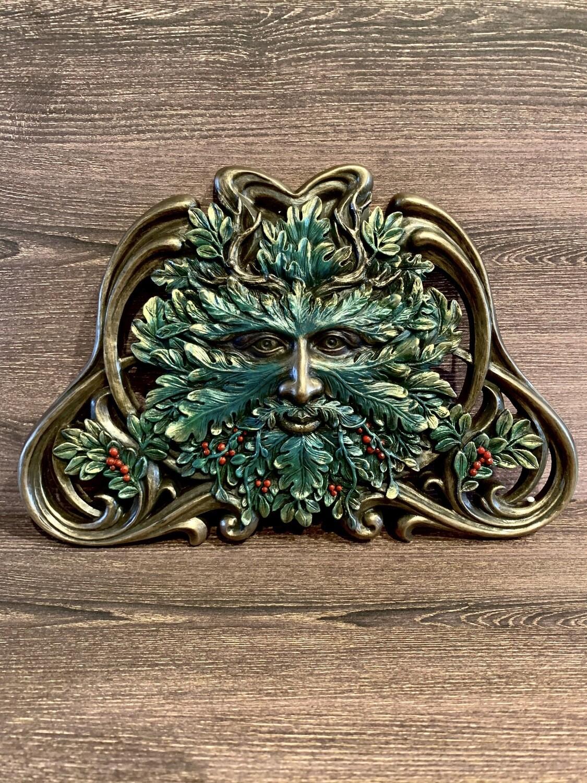 Plaque Green Man Winter Mistletoe