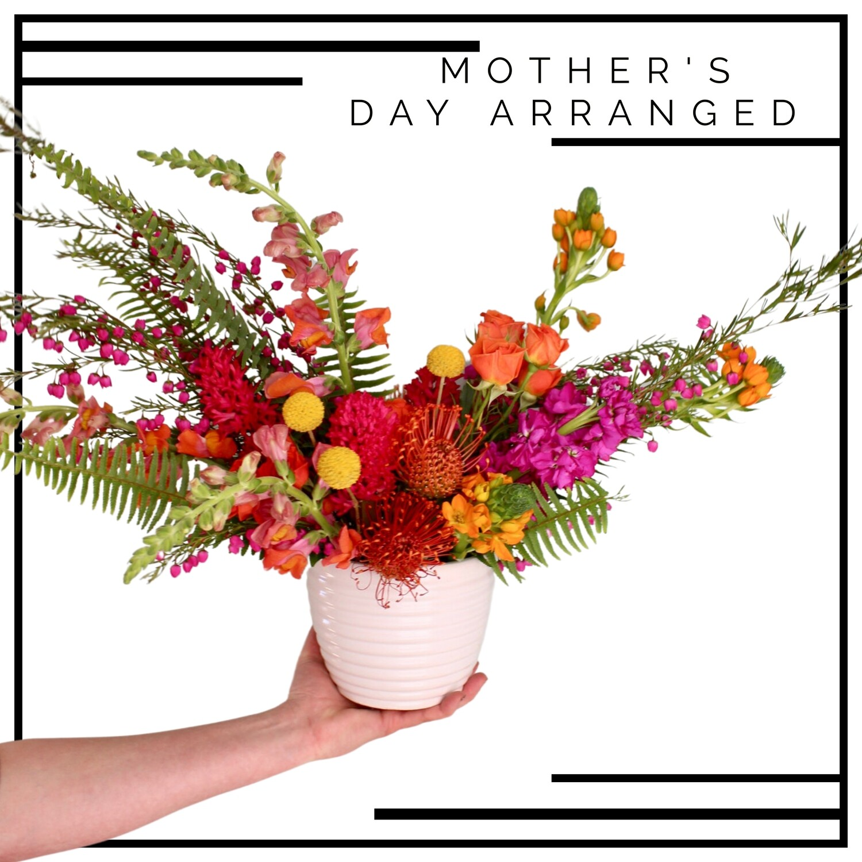 MOM'S DAY ARRANGED