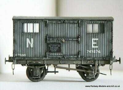 CC006B NBR - LNER Avery Tool Van