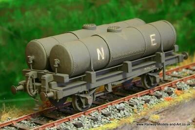 CC004 NBR - LNER Twin Gas Tank Wagon