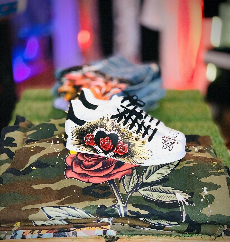 Scarpe Sneakers dipinta a mano con applicazioni di borchie e strass di alta qualità - Sneakers Love Art