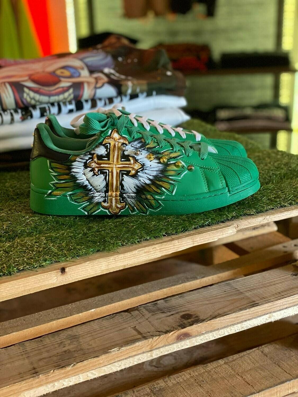 Scarpe Sneakers dipinta a mano con applicazioni di borchie e strass di alta qualità - Sneakers Mala Suerte
