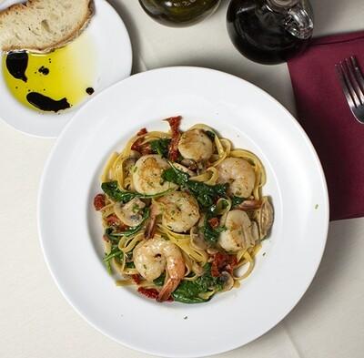 Fettuccine Bascaiola Family Style Dinner