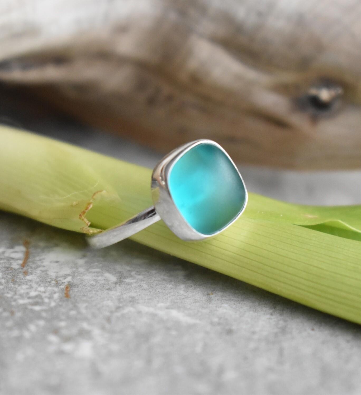 Seaglass & silver bezel ring
