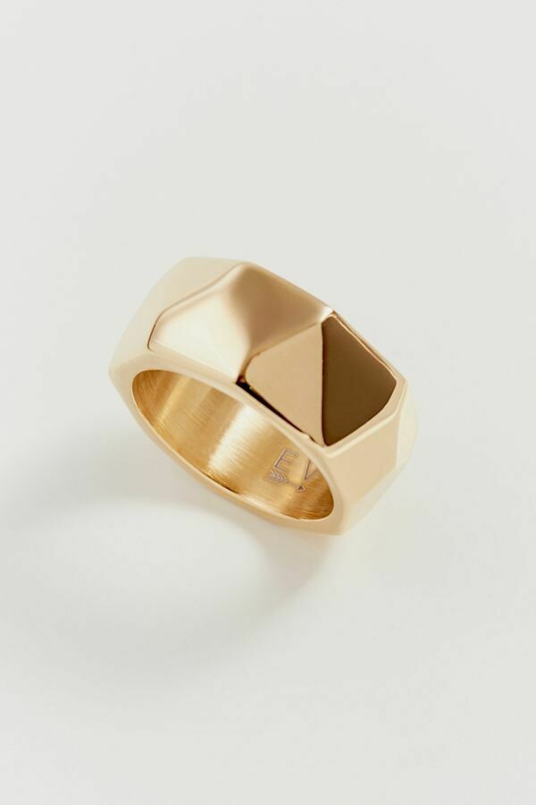 Amy Ring